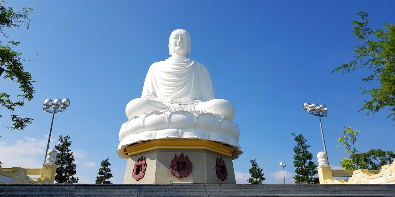 Chùa Long Sơn – Nha Trang