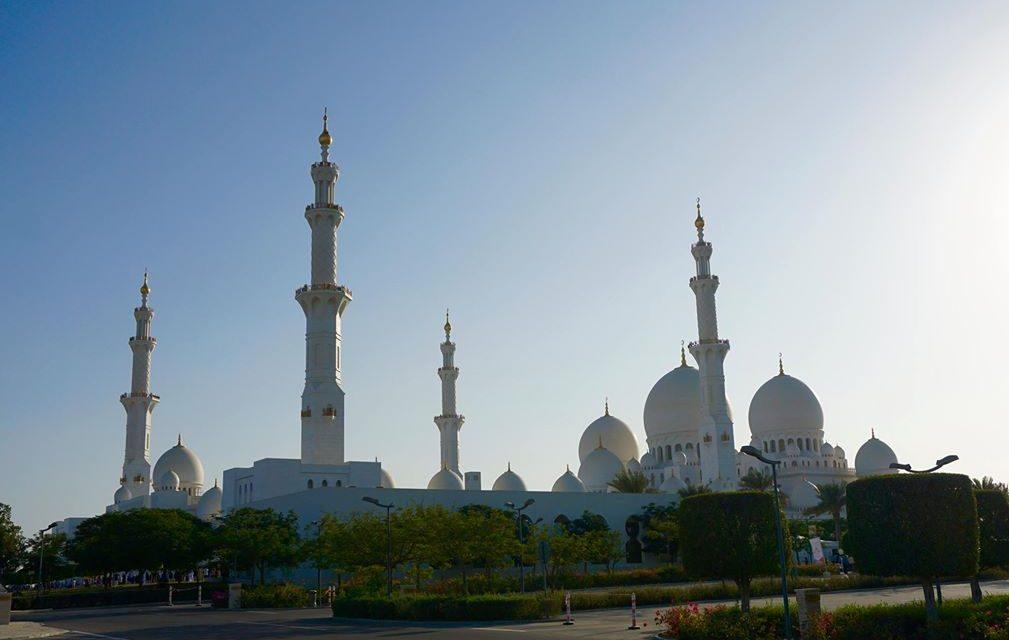 UAE – ĐẲNG CẤP & NGÔNG CUỒNG