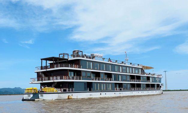 Cảm nhận về du thuyền Heritage***** – Vịnh Lan Hạ